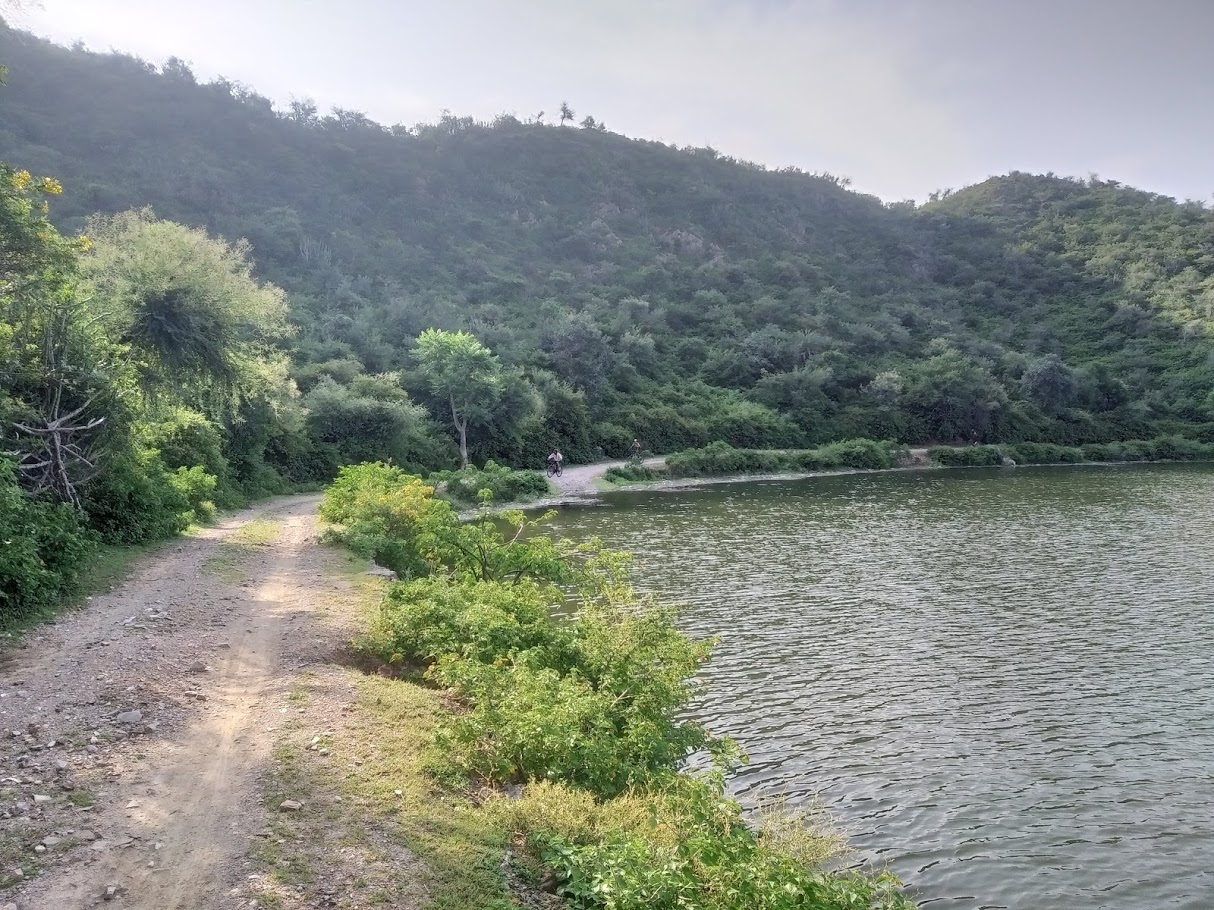 Trail around Madar Lake